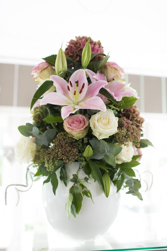 bloemstukken op de trouwlocatie
